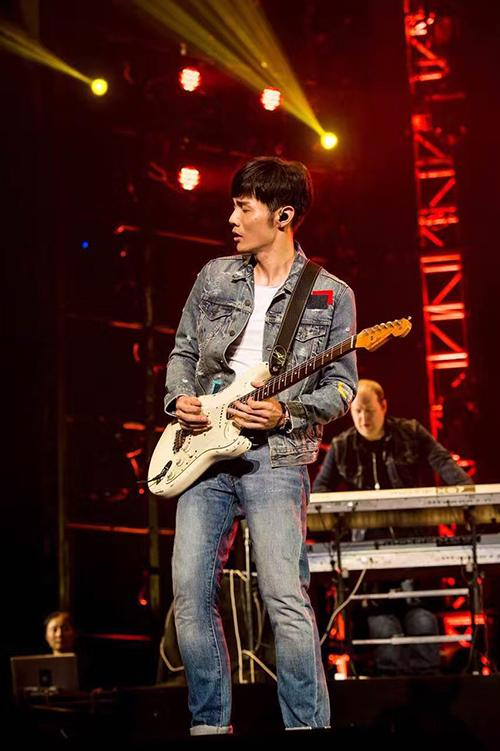 李荣浩「年少有为」世界巡回演唱会—北京站