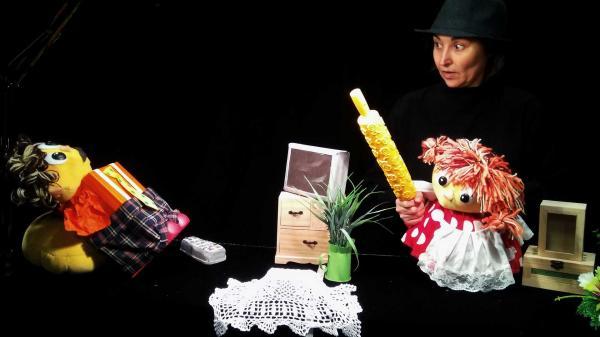 【嘿皮匣子】西班牙Teatro Plus剧团 情感启蒙儿童剧《两小无猜》