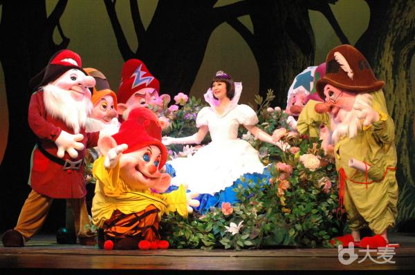 八喜·2018打开艺术之门系列 人偶儿童剧《白雪公主与七个小矮人》
