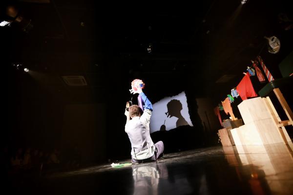 加拿大创意装置手影剧《影子梦工场》