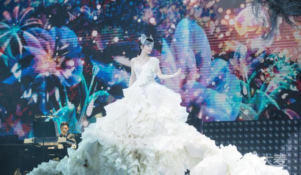 一万天荒爱未老 周慧敏30周年演唱会佛山站
