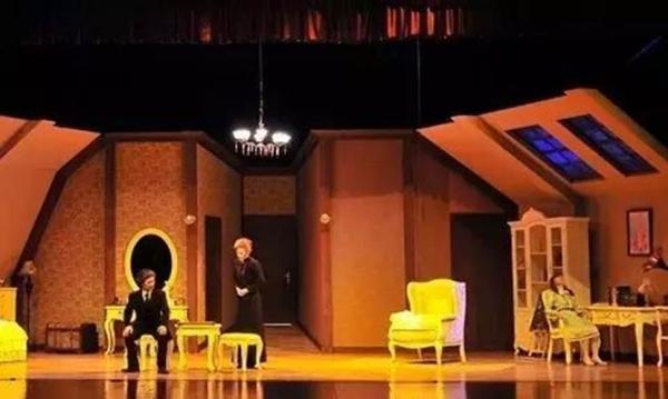 Mailive百老汇惊悚剧《维罗妮卡的房间》