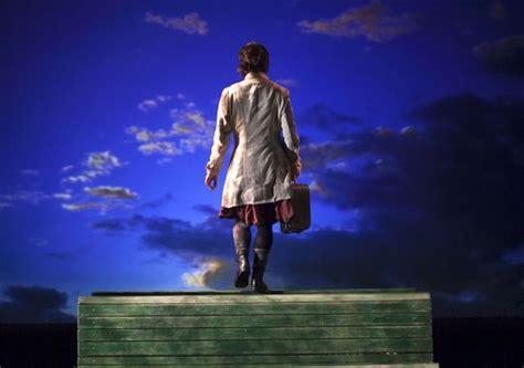 加拿大成长诙谐肢体剧《云上的一天》