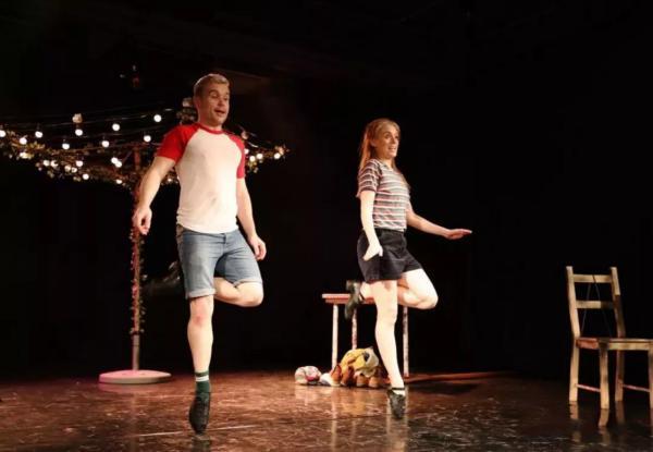 爱尔兰创意游戏踢踏舞剧《大浪之舞》